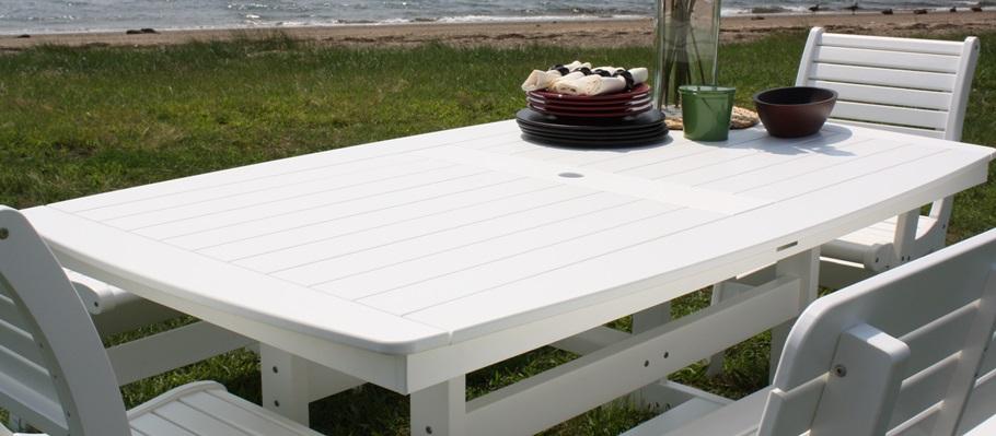 Malibu Outdoor Tables